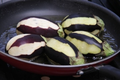 Turkish-stuffed-eggplant-karniyarik-6